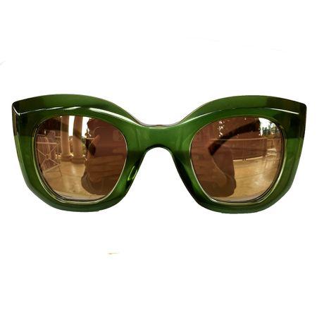 oculos-de-sol-verde-carol-celico