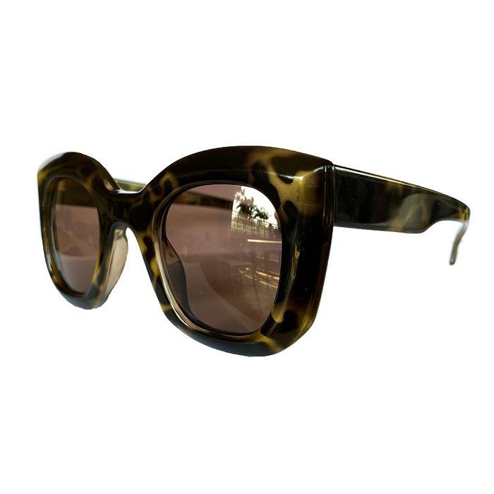 oculos-de-sol-luz-tartarua-escuro