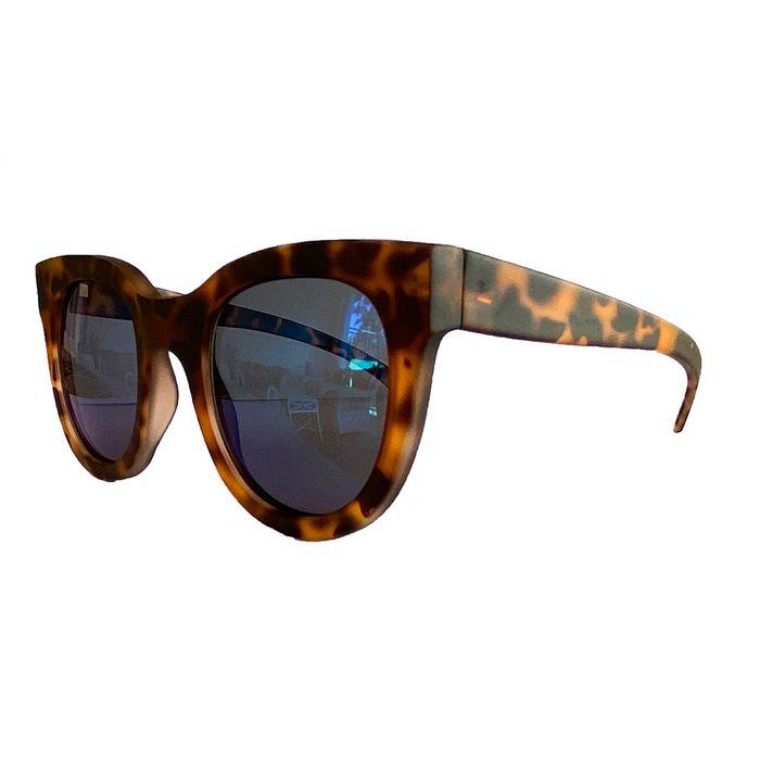 oculos-de-sol-quadrado-lente-azul