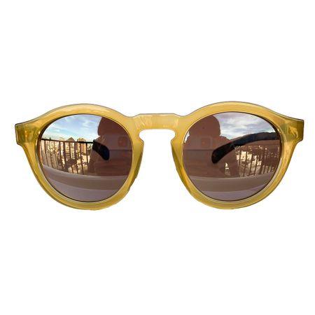 oculos-redondo-amarelo-lente-prata