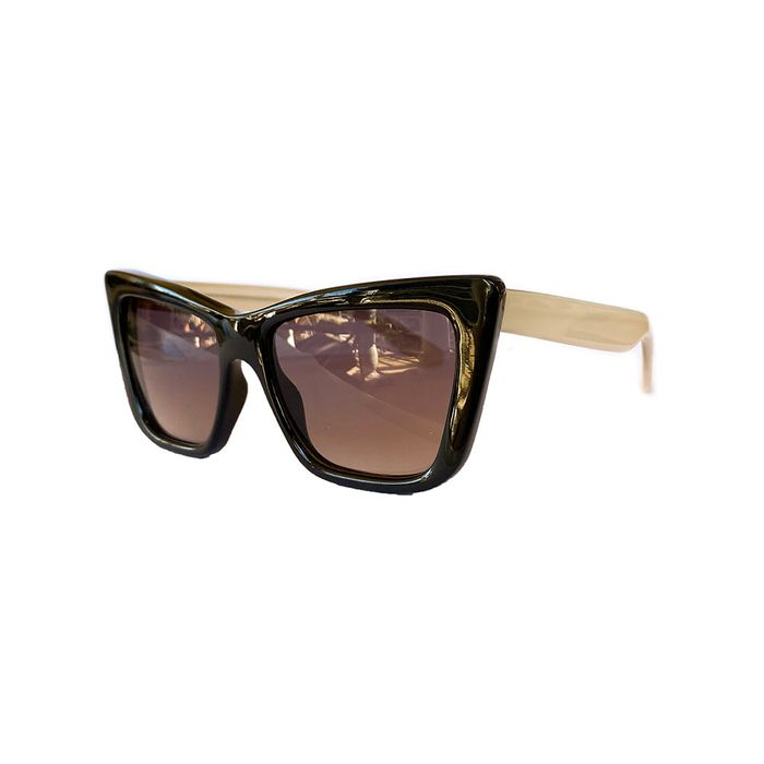 oculos-de-sol-pequeno-preto